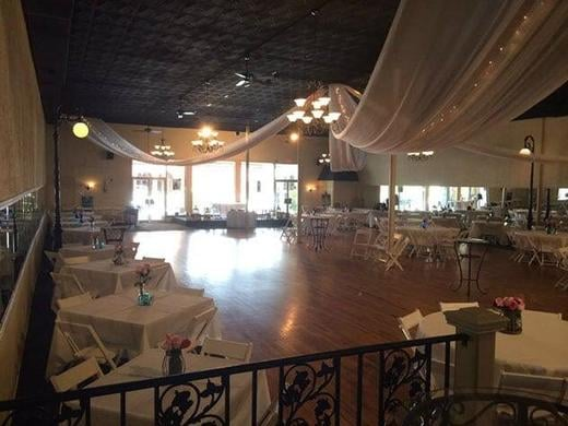 With a huge 6000ft dance floor, you can make your dance area as large as is needed.